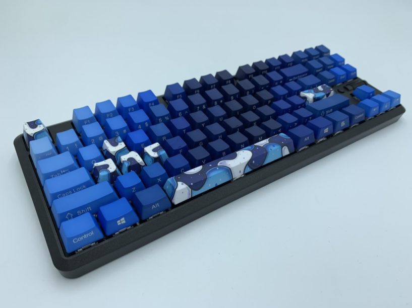 Image for Keyboard & Mousepad (value of $215) from Vraxooo & AlpheriorKeys